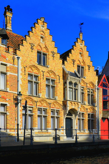 IMG_2012_1 - Bruges - Facades along the canals