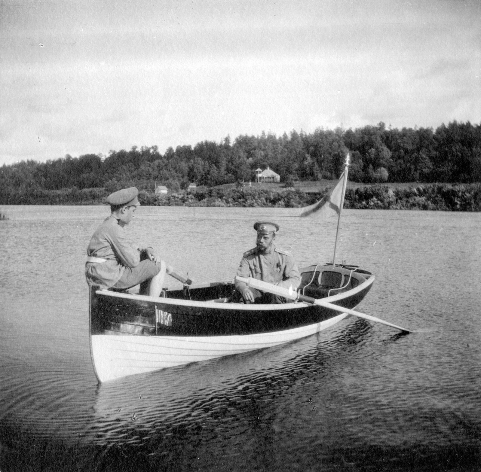 1913. Алексей Царевич с отцом царем Николаем II