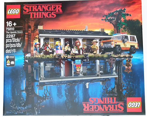 LEGO Stranger Things The Upside Down (75810)