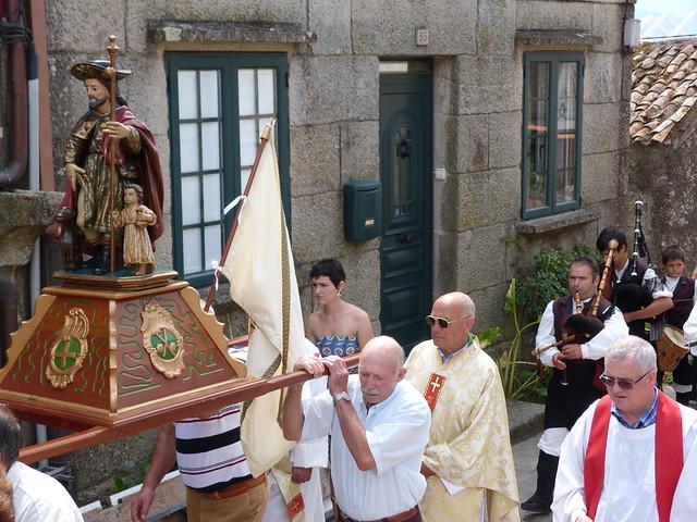 San Roque en procesión en Combarro (Pontevedra)