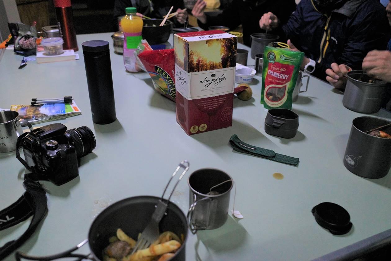 マッケンジー小屋で夕食