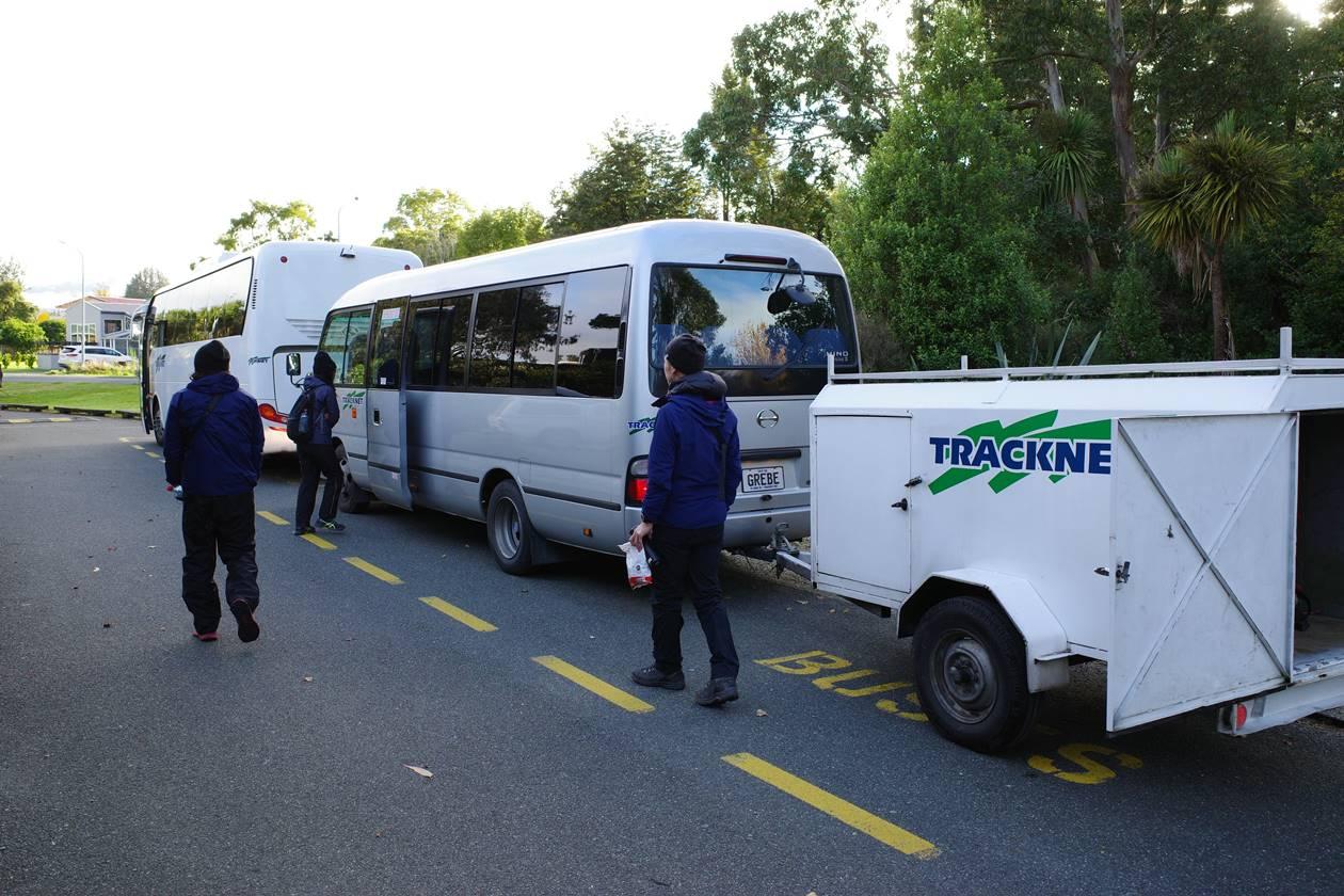 テ・アナウでバス乗り換え