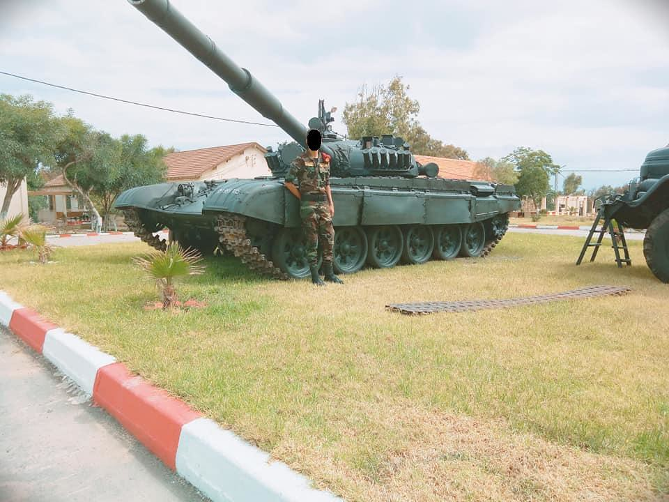 صور دبابات قتال رئيسية الجزائرية T-72M/M1/B/BK/AG/S ] Main Battle Tank Algerian ]   - صفحة 4 47080205494_ac7578f589_b