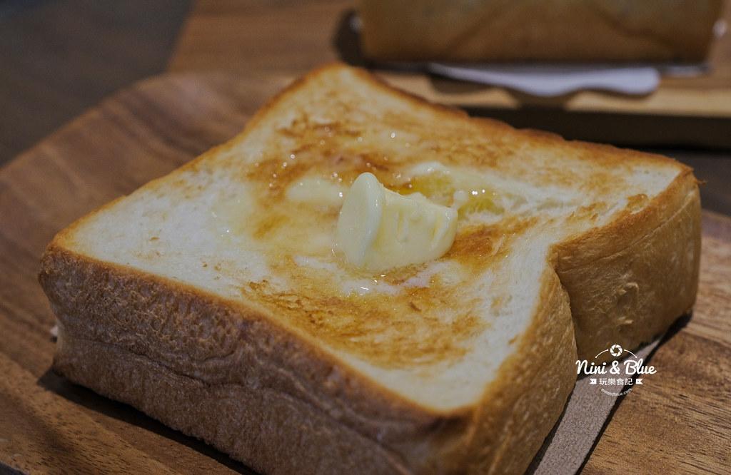 小雪 Casa.台中麵包16