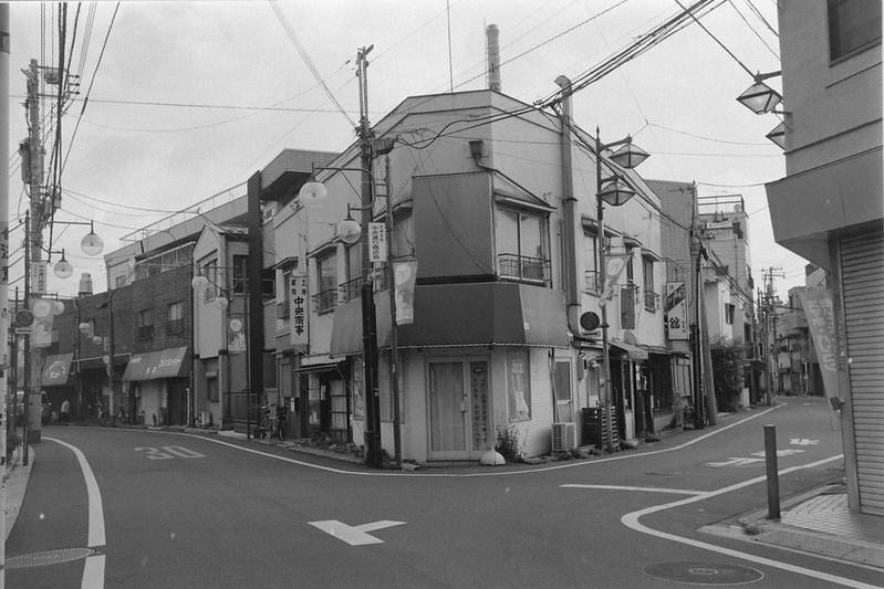 235LeicaM2 Summaron 35mm f35 Kodak 400TX 池袋本町