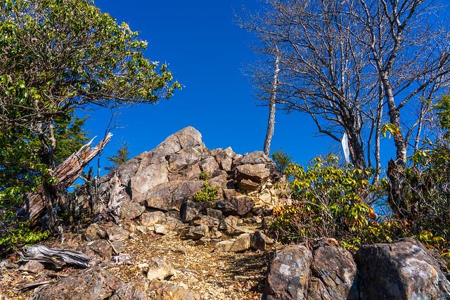 前飛竜・・・露岩のピーク