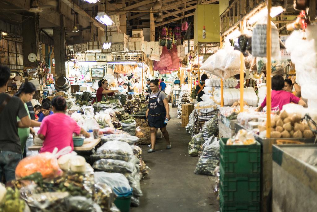 Un marché nocturne à Bangkok