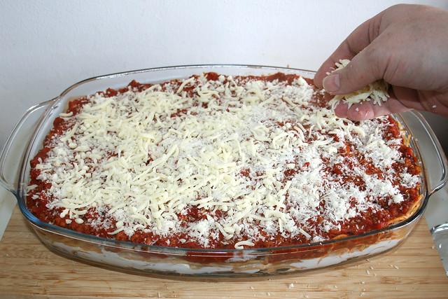 56 - Mit Parmesan & Mozzarella bestreuen / Dredge with parmesan & mozzarella