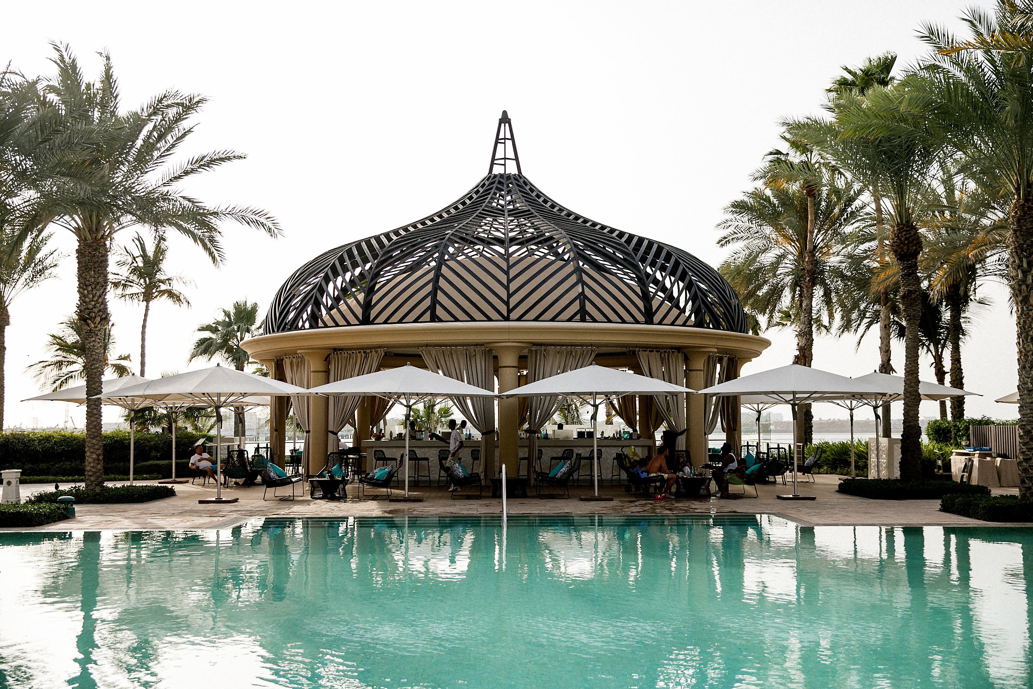 Dubai_by_HanaLeVan1