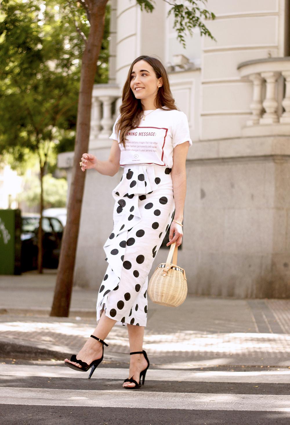 midi linen polka dots skirt black heels street style outfit 201912
