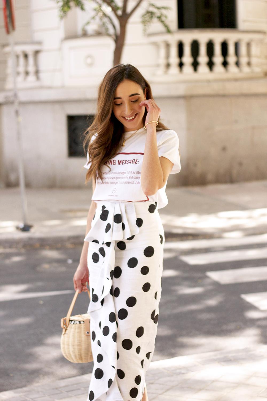 midi linen polka dots skirt black heels street style outfit 20194