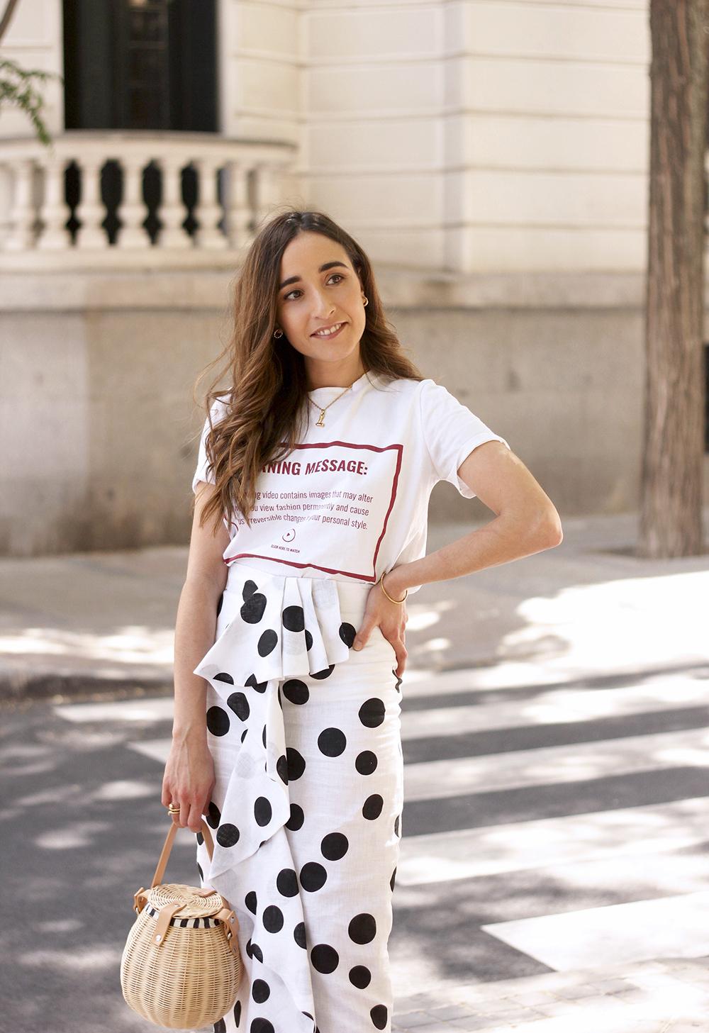 midi linen polka dots skirt black heels street style outfit 20191