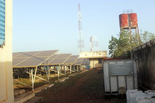 Centrale électrique solaire de SSD Yeelen Kura pour alimenter en électricité et en eau potable à ville de Kolondiéba