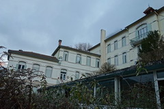 La Maison De Retraite Du Gouffre.