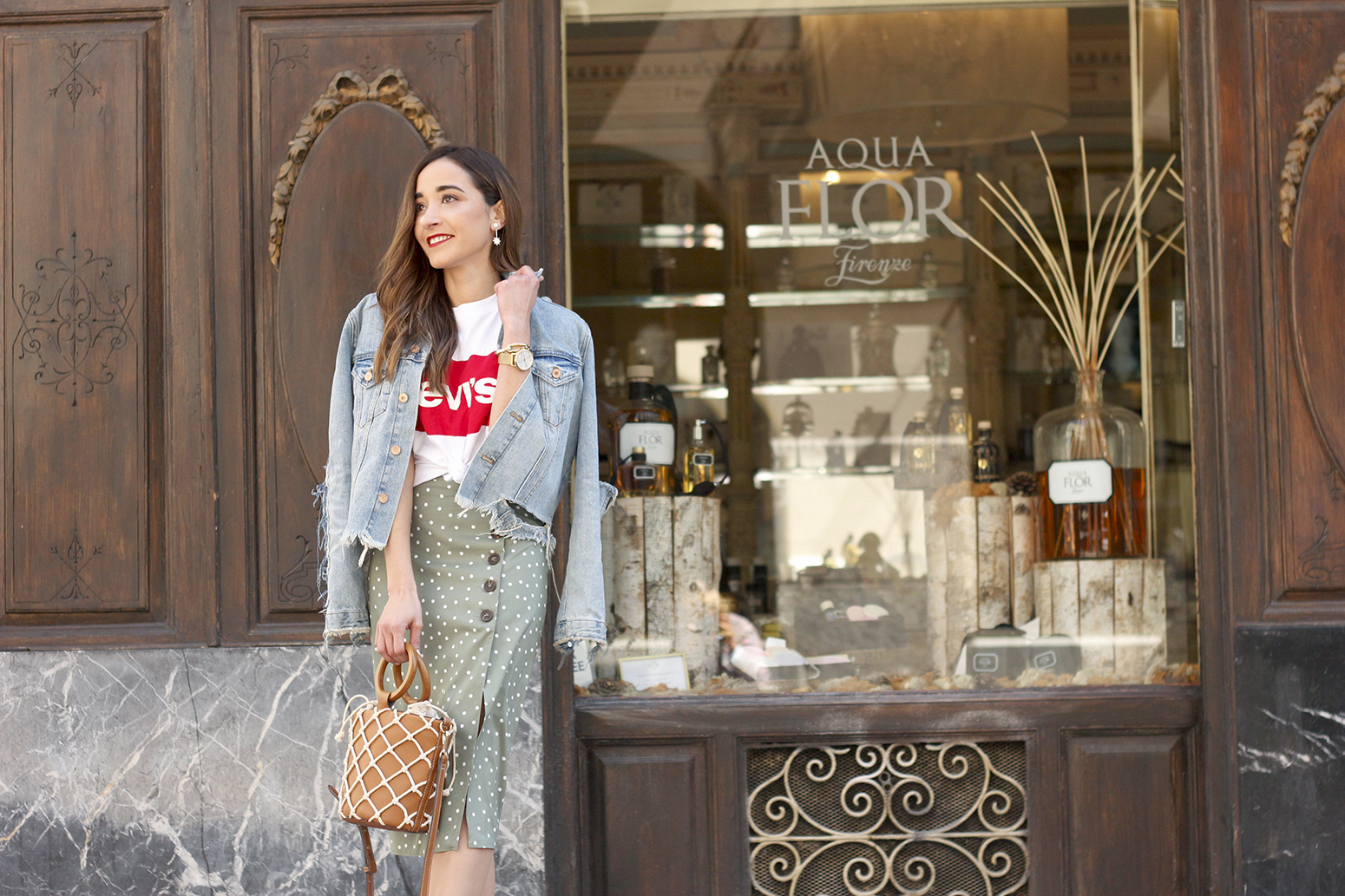 midi polka dots skirt denim jacket levis tshirt superga sneakers street style casual outfit spring 201912