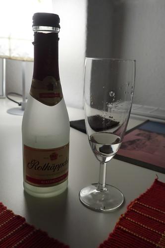 Alkoholfreier Rotkäppchen Sekt als Abschluss des Tages