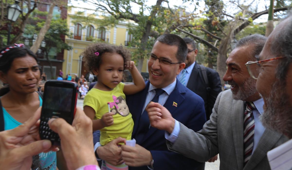 Presidente Maduro recibe representante de la subcomisión brasileña que procura la paz y entendimiento con Venezuela