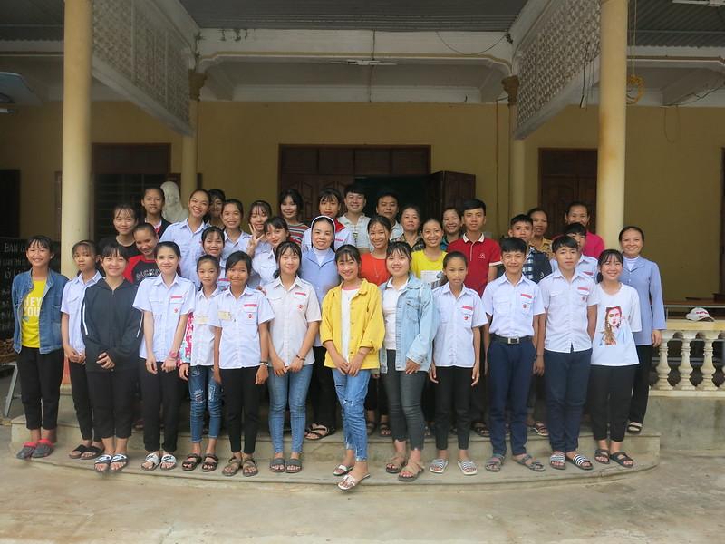 Caritas phát học bổng