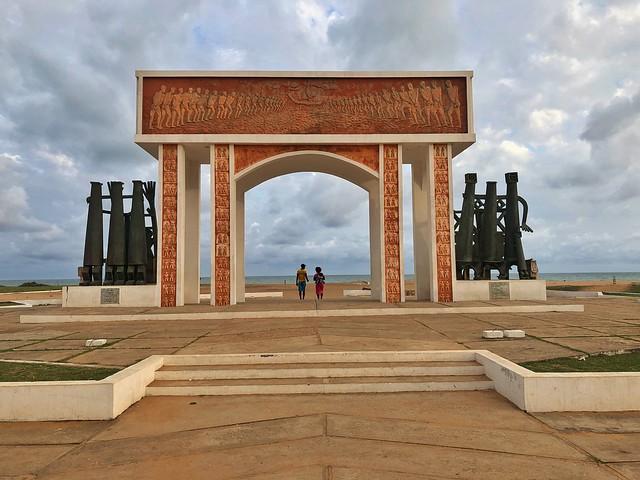 Puerta de no retorno en Ouidah (Benín)
