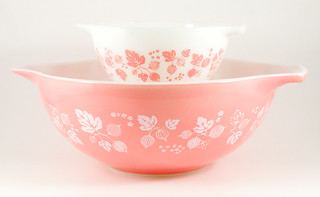 1957-1966 Pyrex Gooseberry Chip & Dip Cinderella Bowls | by owntwohands