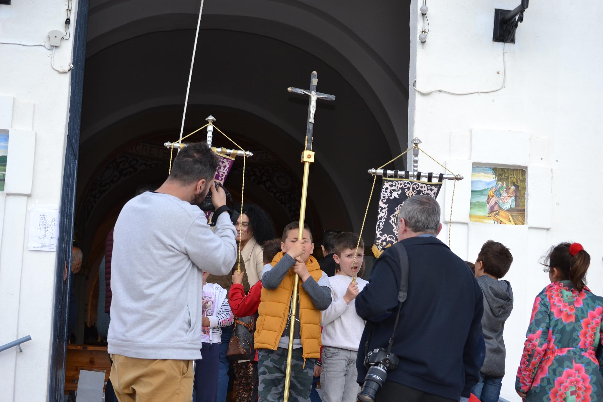 (2019-04-12) - III Vía Crucis jóvenes - Diario el Carrer (01)