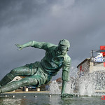 Sir Tom Finney Splash Statue