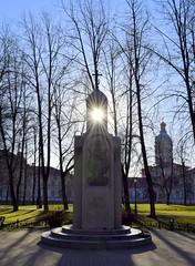 Сфотографировано 18 апреля 2019 года   в 18:00   на Территории Александро-Невской Лавры