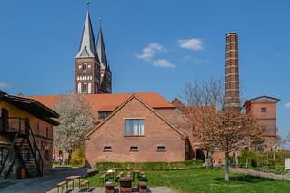 Wirtschaftsgebäude und Türme der Stiftskirche Kloster Jerichow