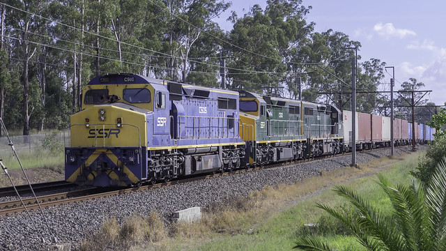 SSR locomotives C505 / C510 / C506  as run # 8146 SSR Containerised Freight from Kelso to Port Botany today