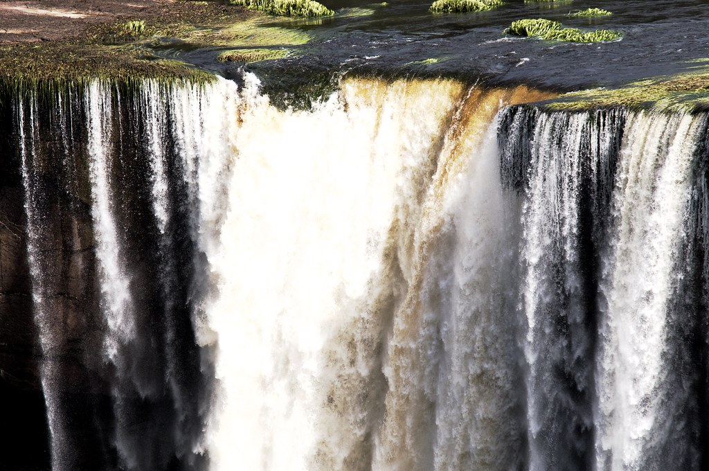 Kaieteur Falls - the drop at low flow