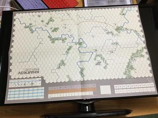 Half Size Map vs Flat Top TV 32''