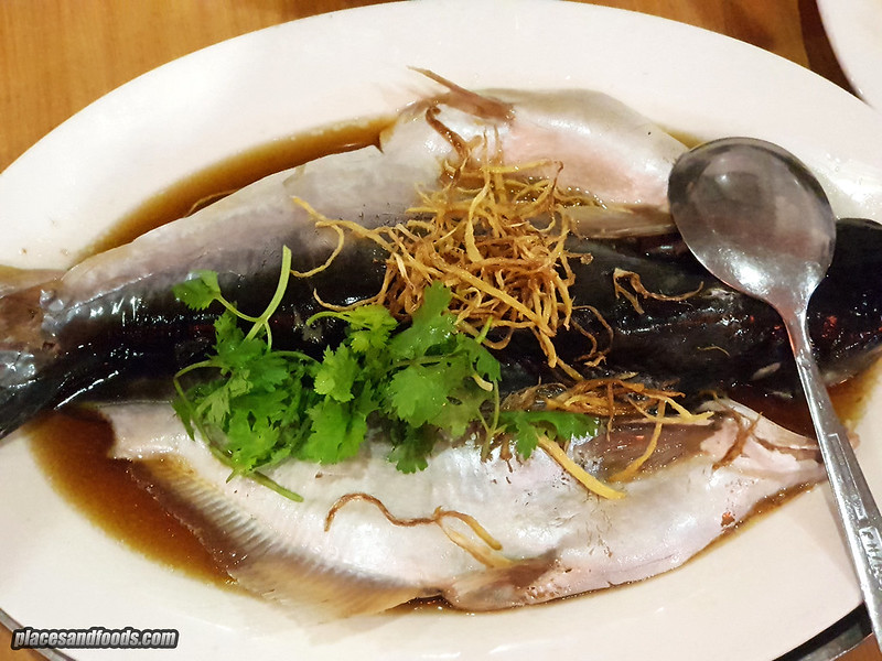 restoran yi sheng huat steamed patin fish