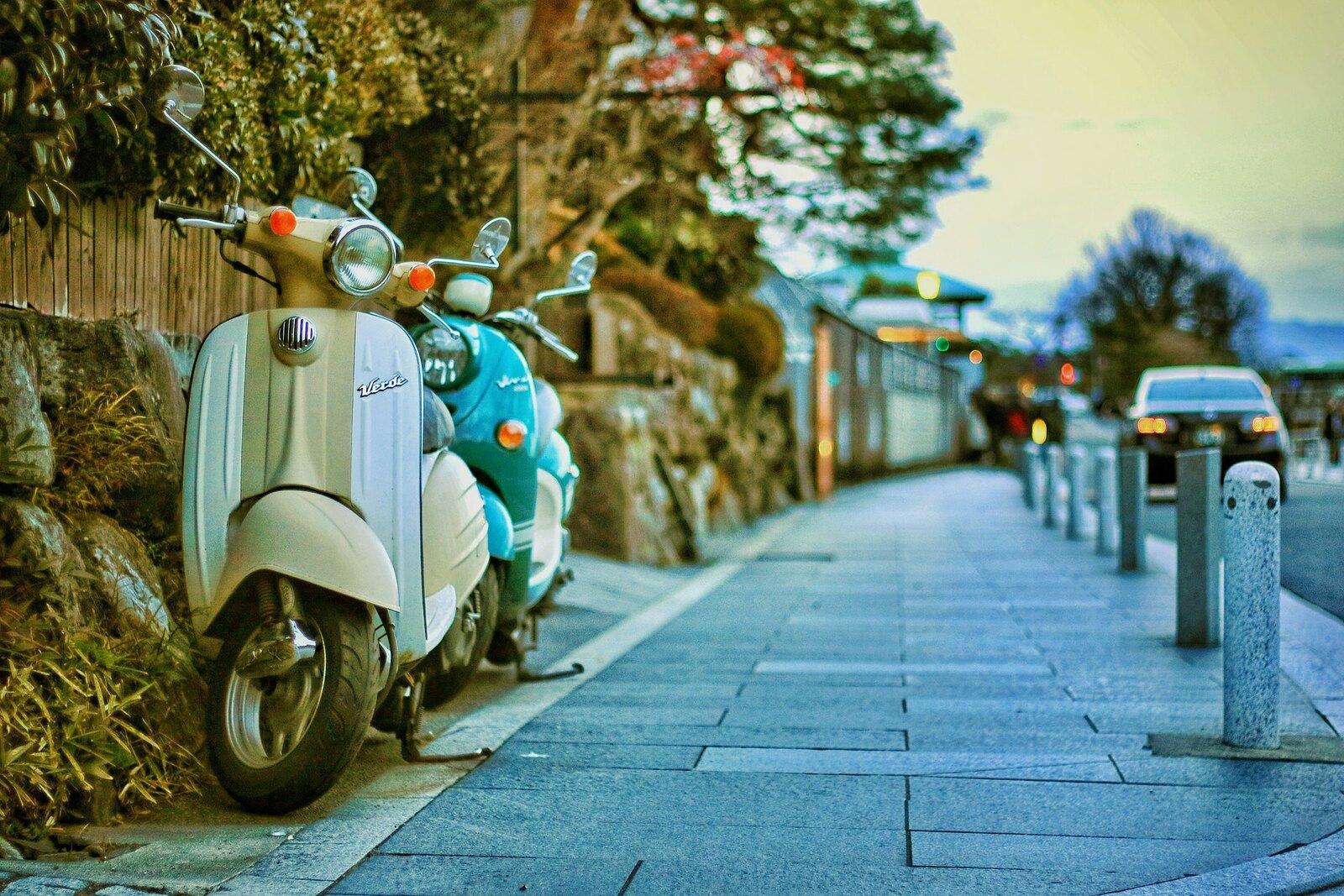 eric-dearbeck-sidewalk-scooter-13