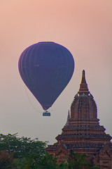 Balloon and temple of Bagan in the colors of the early morning - Myanmar