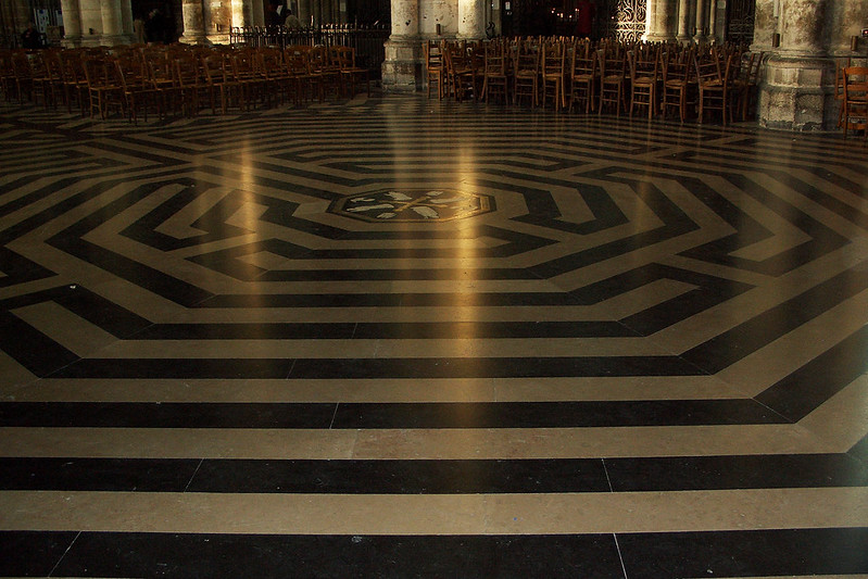 Лабиринт в Амьенском соборе, Франция