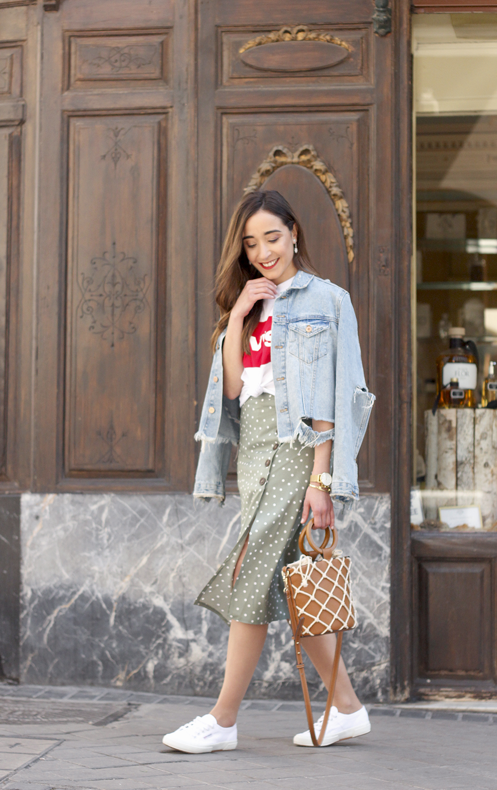 midi polka dots skirt denim jacket levis tshirt superga sneakers street style casual outfit spring 201910