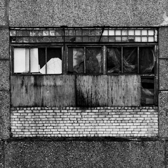 abstraktā fasāde   /   abstract facade