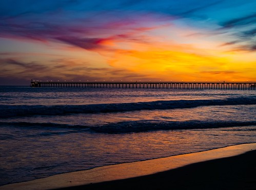 Photograph of a Long Pier during Sunset in Santa Barbara, California, USA in April Spring of 2019. | by Seymour Lu