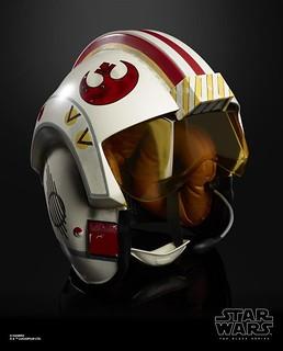 化身為王牌駕駛員,享受激烈空戰的緊張刺激! 孩之寶 黑標系列《星際大戰》路克·天行者 Luke Skywalker 1:1 比例電子頭盔