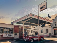 Corvette C1 with Gas Station