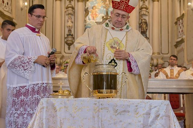 Missa do Santo Crisma - (Santos Óleos)