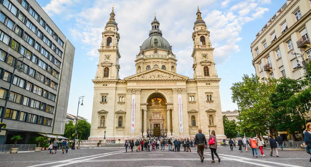 Boedapest: St. Stefanus Kathedraal | Mooistestedentrips.nl