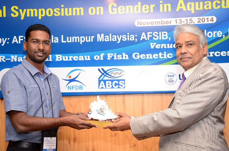 Senior Research Analyst Surendran Rajaratnam wins the Highly Commended Paper Award of the Gender in Aquaculture and Fisheries Section of the Asian Fisheries Society.