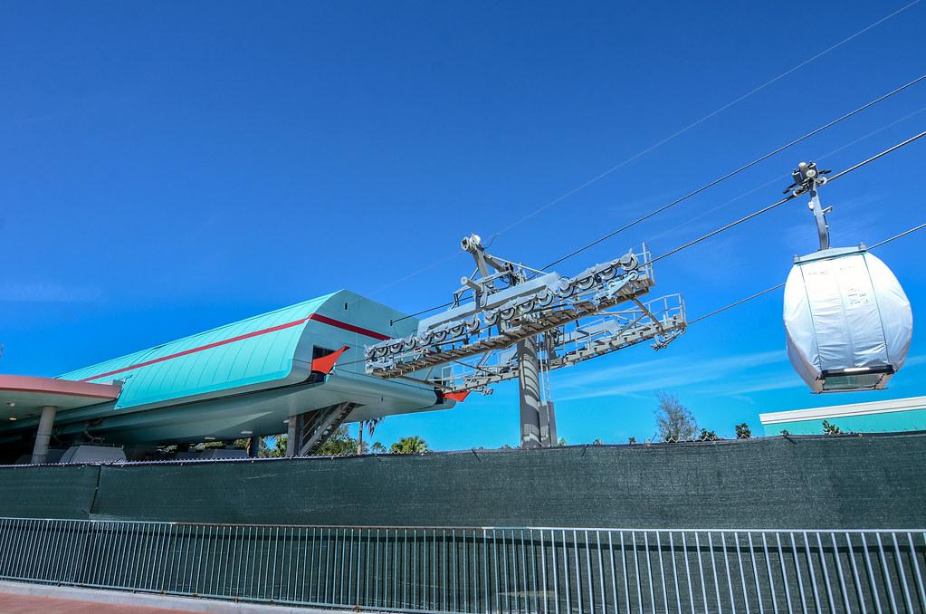 Disney Skyliner station DHS