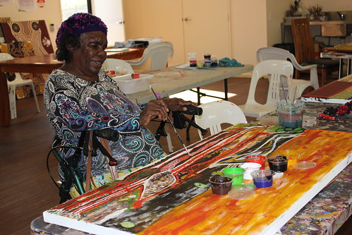 Featured artist Janet Dreamer of Yarliyil Arts. Image courtesy of Yarliyil Arts.