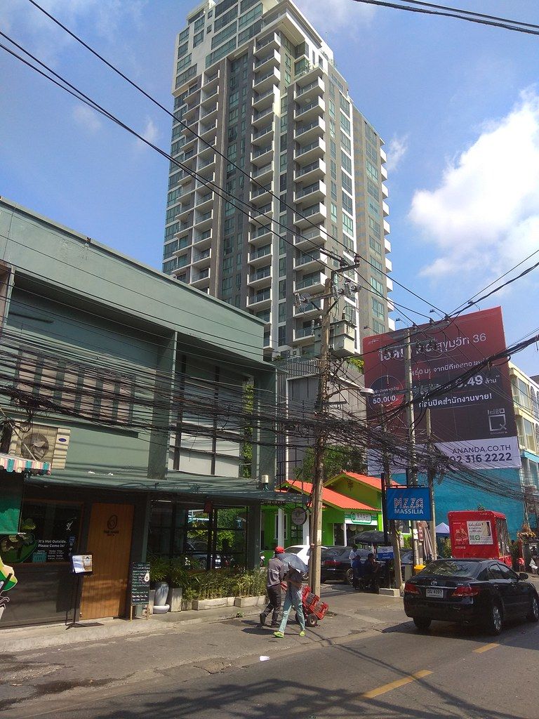 Hass avocado Bistro Bangkok