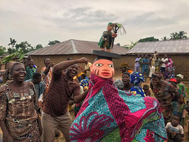 Danza de máscaras Gelede en Benín