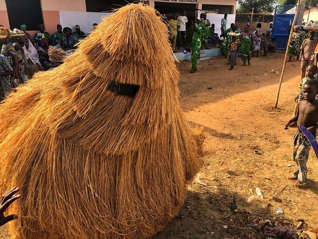 Zangbeto en Porto-Novo (Benín)