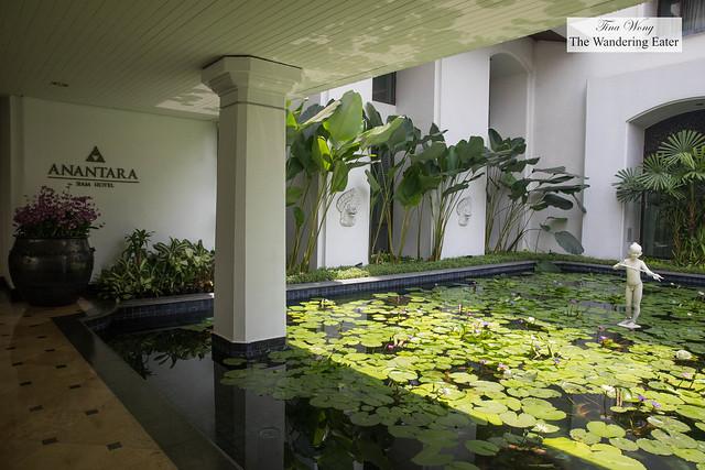 Entrance to Anantara Siam Bangkok