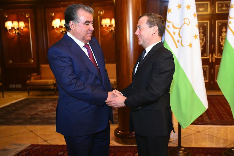 Президент Республики Таджикистан Эмомали Рахмон встретился с Председателем Правительства Российской Федерации Дмитрием Медведевым